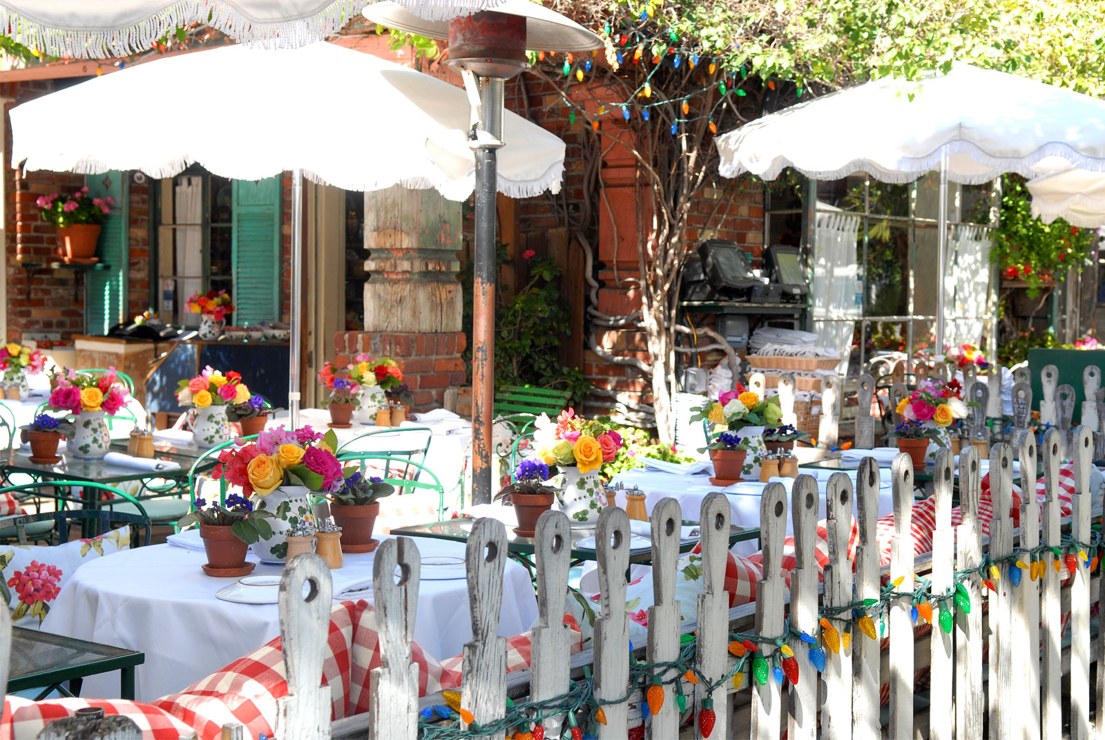 Setting A Table For Dinner The Ivy Restaurants In Los Angeles Amp Santa Monica